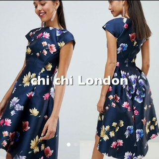 チチロンドン(Chi Chi London)の◆新品◆チチロンドフローラルプリントドレス(ミディアムドレス)