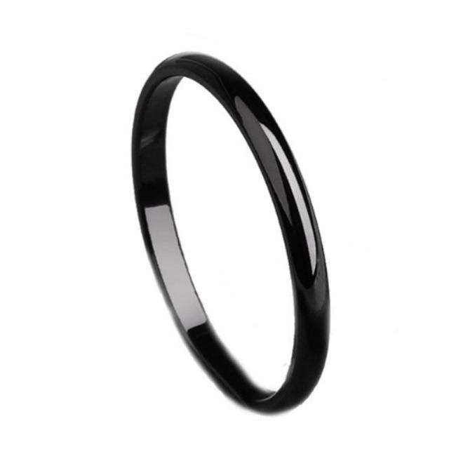シンプルなファッションリング2mm (ブラック) レディースのアクセサリー(リング(指輪))の商品写真