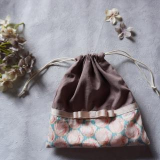 ボンポワン(Bonpoint)の【handmade】巾着 コップ袋 リバティ  ②(ランチボックス巾着)