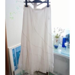 スペッチオ(SPECCHIO)のスペッチオの白ロングスカート(ロングスカート)