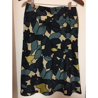 コキュ(COCUE)のスカート(ひざ丈スカート)
