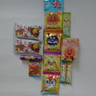 アンパンマン(アンパンマン)の菓子 詰め合わせ 12コ アンパンマン グミ キャンディ ふりかけ どんどん焼 (菓子/デザート)