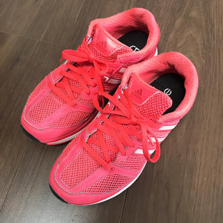 アディダス(adidas)の明日処分します。アディダススニーカー(スニーカー)