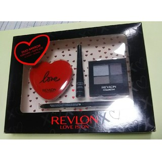 レブロン(REVLON)のREVLON LOVE IS ON デラックスギフトセット(コフレ/メイクアップセット)