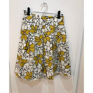 クランプリュス(KLEIN PLUS)のクランプリュス 花柄スカート 美品(ひざ丈スカート)