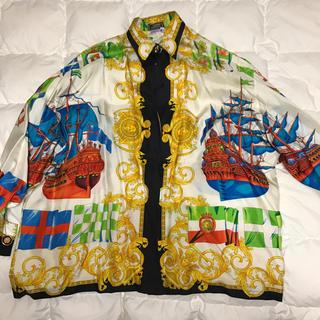 ジャンニヴェルサーチ(Gianni Versace)のベルサーチ   ブラウス(シャツ/ブラウス(長袖/七分))