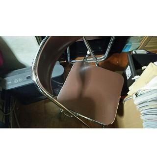 パイプ椅子(折り畳みイス)