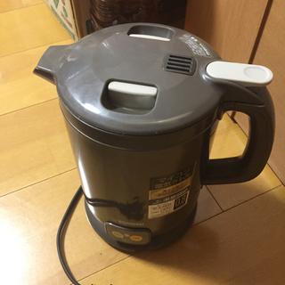 ゾウジルシ(象印)の象印電気湯沸かし器(電気ポット)