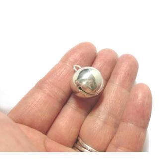 訳アリ 凹みありのため格安 銀の鈴のペンダントトップ (ネックレス)