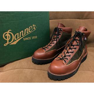 ダナー(Danner)の送料無料 ★美品★ 箱付 ダナーライト III セダー 8.5EE 33223 (ブーツ)