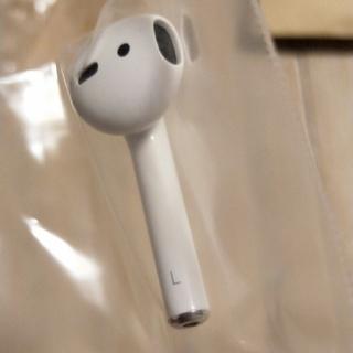 アップル(Apple)の【新品未使用】Apple 純正 AirPods 左耳 (ヘッドフォン/イヤフォン)
