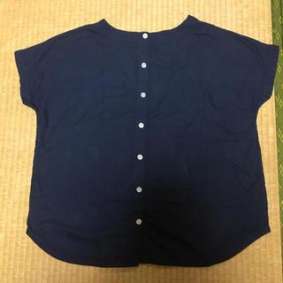 サンバレー(SUNVALLEY)のサンバレー 綿100% 後ろボタン ネイビーカットソー(カットソー(半袖/袖なし))