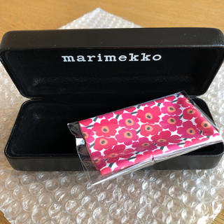 マリメッコ(marimekko)のマリメッコ  ハードメガネケース(メガネ拭き付き)(サングラス/メガネ)
