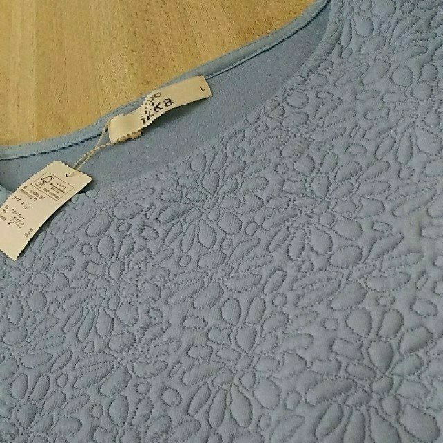 ikka(イッカ)のLサイズ  新品 ikka  袖ブラウス生地のトップス  定価5184円 レディースのトップス(カットソー(長袖/七分))の商品写真