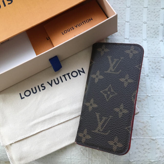iphone7 カバー 白 | LOUIS VUITTON - LOUIS VUITTON iPhoneケースの通販 by mi♥'s shop|ルイヴィトンならラクマ