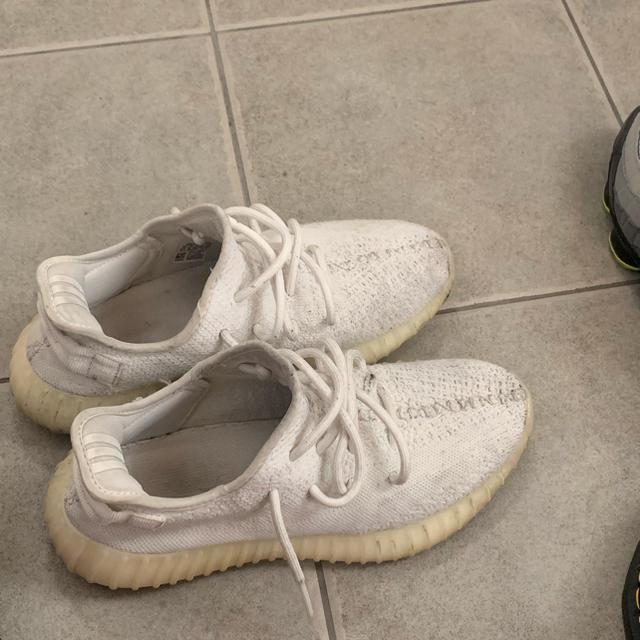 adidas(アディダス)のイージーブースト350v2 メンズの靴/シューズ(スニーカー)の商品写真