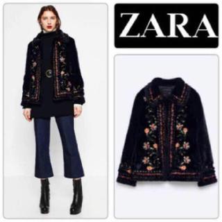 ザラ(ZARA)のザラzaraフェイクファー刺繍コートブルゾン(毛皮/ファーコート)