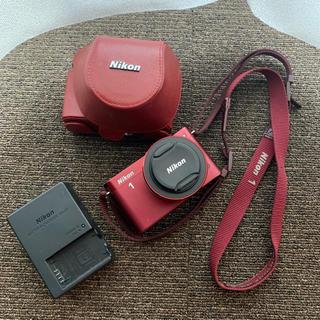 ニコン(Nikon)のNIKON1 赤(ミラーレス一眼)