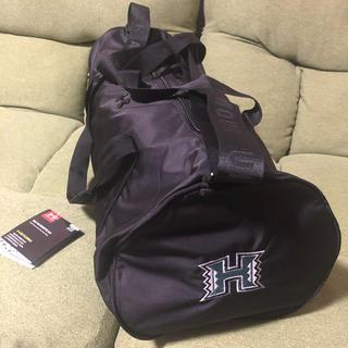 アンダーアーマー(UNDER ARMOUR)のハワイ大学 アンダーアーマー コラボ ダッフルバッグ 新品(ドラムバッグ)