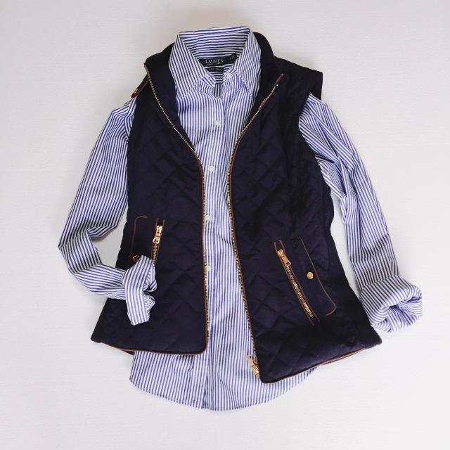 ZARA(ザラ)のZARA キルティング ダウンベスト 紺 レディースのジャケット/アウター(ダウンベスト)の商品写真
