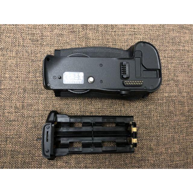Nikon(ニコン)のNikon MB-D10 ニコン 純正バッテリーグリップ スマホ/家電/カメラのカメラ(その他)の商品写真