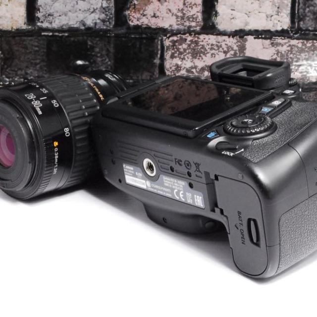 Canon(キヤノン)の【大人気★】Canon 70D レンズキット  スマホ/家電/カメラのカメラ(デジタル一眼)の商品写真