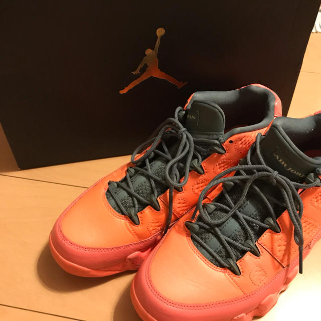 NIKE(ナイキ)のズック様 専用 AIR JORDAN 9 RETRO LOW メンズの靴/シューズ(スニーカー)の商品写真
