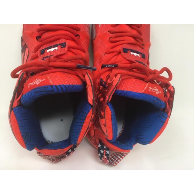 NIKE(ナイキ)のNIKE ナイキ レブロン インディペンデンスデイ クリムゾン 29.5cm メンズの靴/シューズ(スニーカー)の商品写真