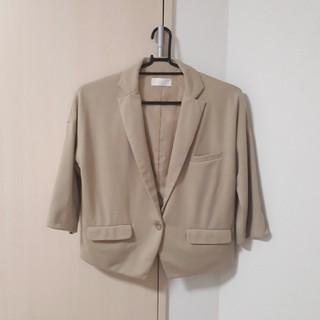 アーベーセーアンフェイス(abc une face)の七分袖ジャケット(テーラードジャケット)