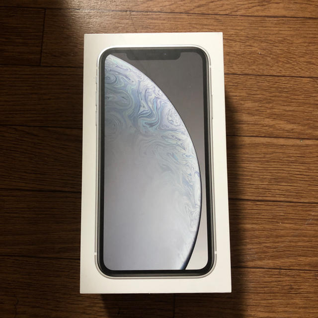 iPhone(アイフォーン)の新品 iPhone XR 64GB  ホワイト スマホ/家電/カメラのスマートフォン/携帯電話(スマートフォン本体)の商品写真