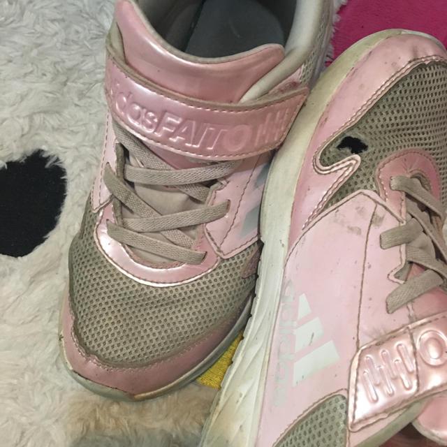 adidas(アディダス)のadidas21.5 キッズ/ベビー/マタニティのキッズ靴/シューズ (15cm~)(スニーカー)の商品写真