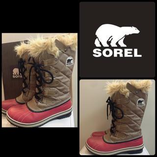 ソレル(SOREL)のソレル ベージュキルティング スノーブーツ(ブーツ)