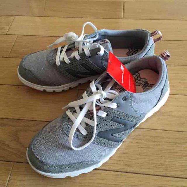 New Balance(ニューバランス)の新品タグ付き ニューバランス 24センチ レディースの靴/シューズ(スニーカー)の商品写真
