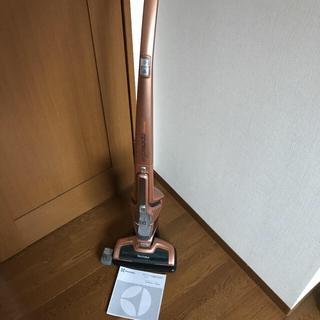 エレクトロラックス(Electrolux)のエルゴラピード リチウム ZB3114AK(掃除機)