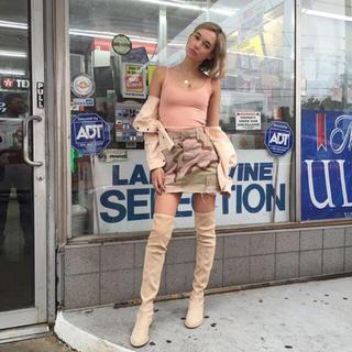 アーバンアウトフィッターズ(Urban Outfitters)の【サラシュナイダー着用】アーバンアウトフィッターズ 迷彩柄スカート(ミニスカート)