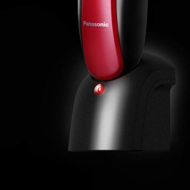 パナソニック メンズシェーバー 3枚刃 お風呂剃り可 赤 ES-RL13-R スマホ/家電/カメラの美容/健康(メンズシェーバー)の商品写真