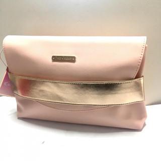 ジューシークチュール(Juicy Couture)の新品 ピンク クラッチバッグ ポーチ コスメバッグ(トートバッグ)