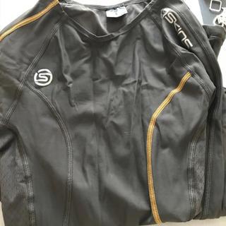 スキンズ(SKINS)のSKINS A200(ウェア)