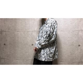 [used]LL ice blue art  design shirt.(シャツ)