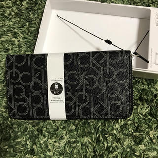 カルバンクライン(Calvin Klein)の新品 カルバンクライン ファスナー長財布 ブラック(長財布)