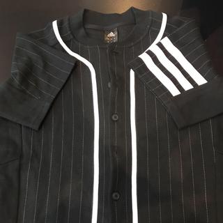 アディダス(adidas)の美品!お買い得価格アディダスシャツ(Tシャツ/カットソー(半袖/袖なし))