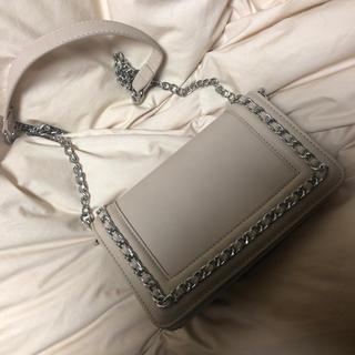 セシルマクビー(CECIL McBEE)のほぼ未使用 セシルマクビー 鞄 バッグ ベージュ シルバー (ショルダーバッグ)