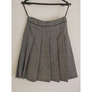 アールユー(RU)の美品 カジュアルからフォーマルにも着やすい♪ RU Mサイズ 膝丈 スカート (ひざ丈スカート)