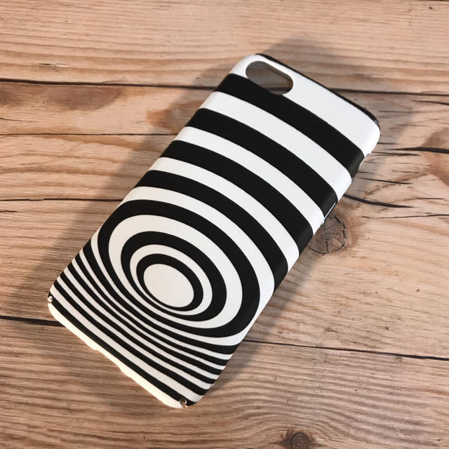 モノトーン iphone ハードケース iphone7 iphone8の通販 by もちや|ラクマ