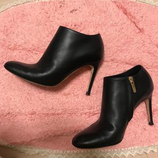 セルジオロッシ(Sergio Rossi)のセルジオロッシ    黒のショートブーツ  美品!(ブーティ)