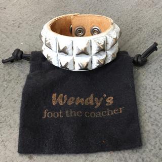 ウェンディズアンドフットザコーチャー(Wendy's & foot the coacher)のWendy's & foot the coacher  スタッズ リストバンド(ブレスレット)