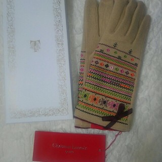 クリスチャンラクロワ(Christian Lacroix)のクリスチャン ラクロア 新品タグ付き手袋(手袋)