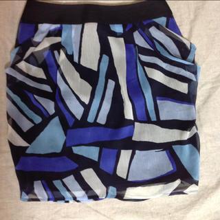 ヴァンドゥーオクトーブル(22 OCTOBRE)のスカート(ひざ丈スカート)