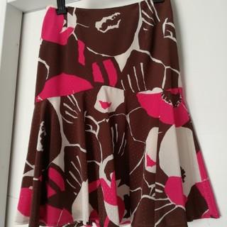 イネド(INED)のINED 柄スカート(ひざ丈スカート)