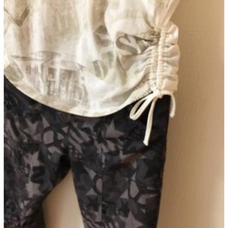 ゴールドウィン(GOLDWIN)のゴールドウィイン ヨガ、エクセサイズ用T シャツと、パンツ上下セット。(ヨガ)